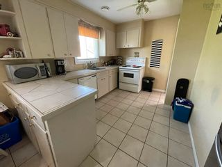 Photo 5: 135 Kings Court in Stellarton: 106-New Glasgow, Stellarton Residential for sale (Northern Region)  : MLS®# 202121335