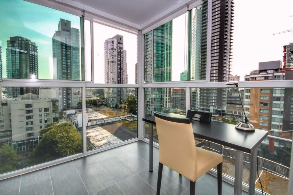 """Main Photo: 1107 1323 HOMER Street in Vancouver: Yaletown Condo for sale in """"PACIFIC POINT"""" (Vancouver West)  : MLS®# R2386198"""