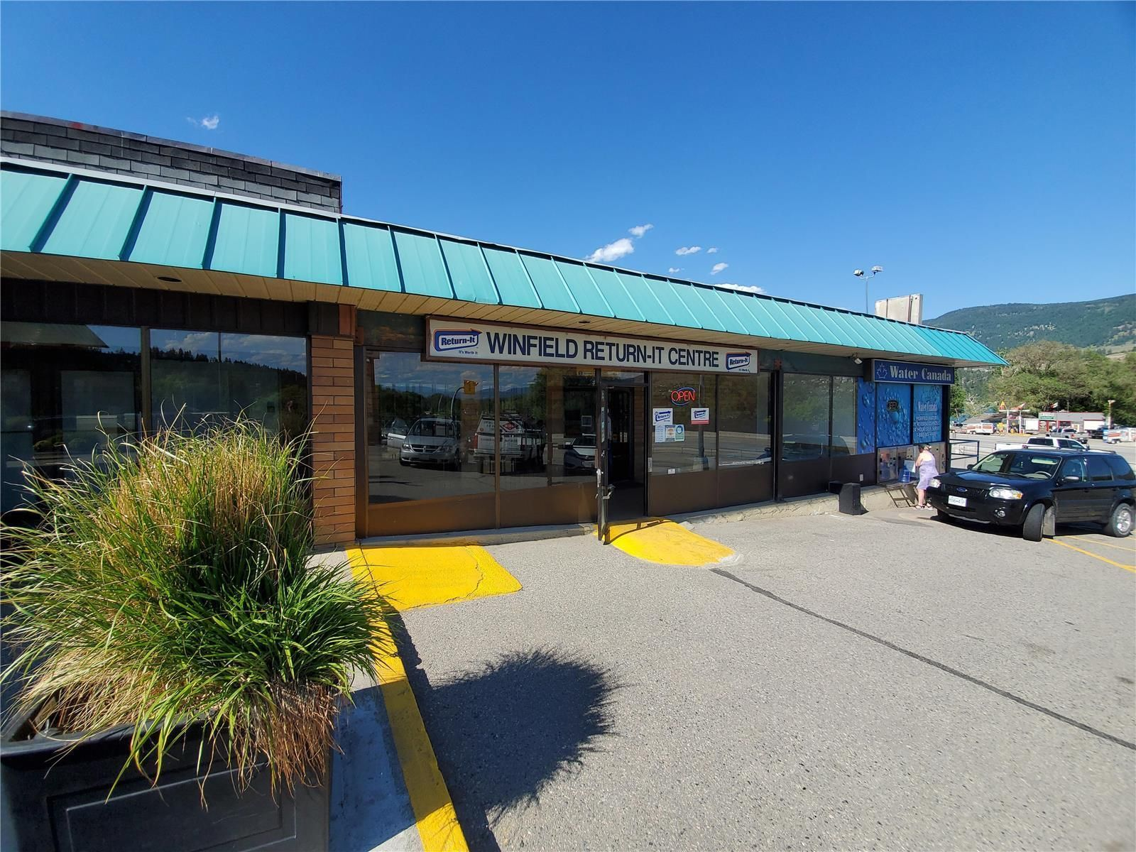 Main Photo: #4 11852 Highway 97, N in Lake Country: Business for lease : MLS®# 10233196