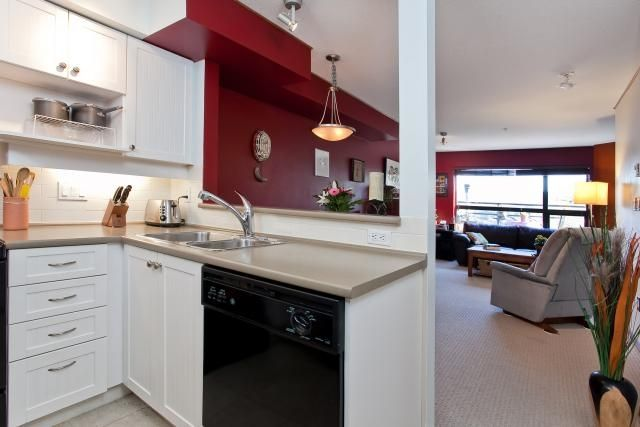"Photo 10: Photos: 302 997 W 22ND Avenue in Vancouver: Cambie Condo for sale in ""THE CRESCENT"" (Vancouver West)  : MLS®# V873146"