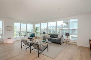 "Photo 8: PH1801 1788 COLUMBIA Street in Vancouver: False Creek Condo for sale in ""EPIC AT WEST"" (Vancouver West)  : MLS®# R2530765"