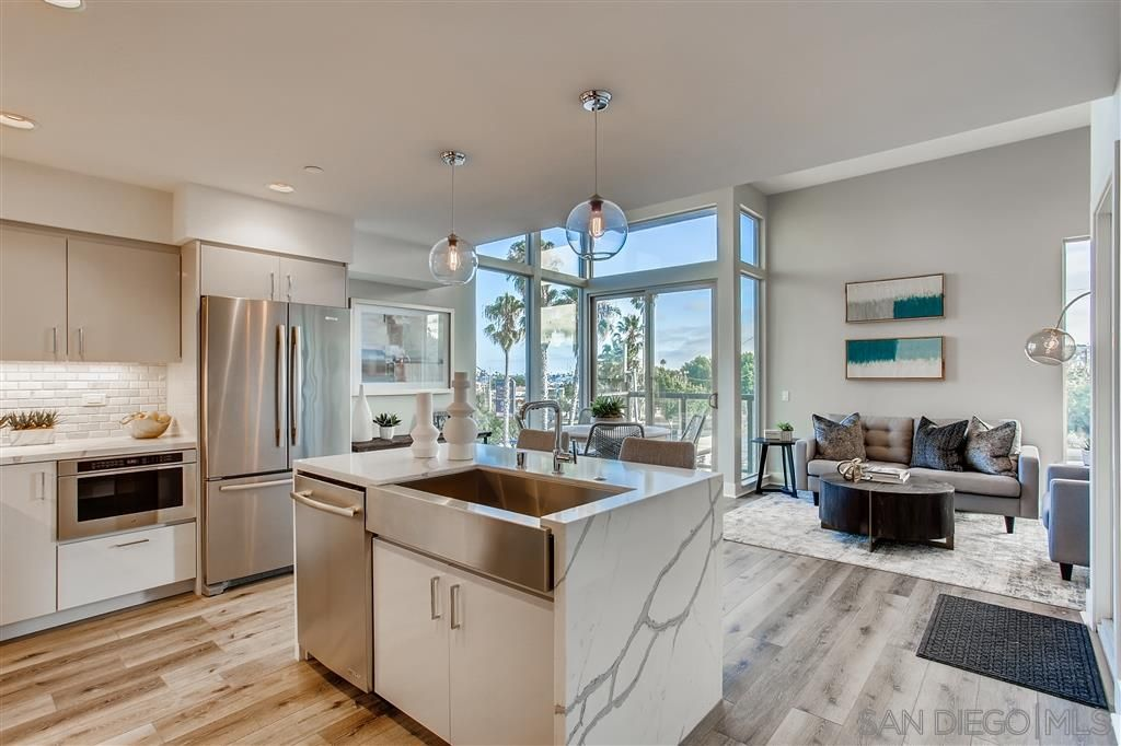 Photo 2: Photos: POINT LOMA Townhouse for sale : 2 bedrooms : 3030 Jarvis #7 in San Diego