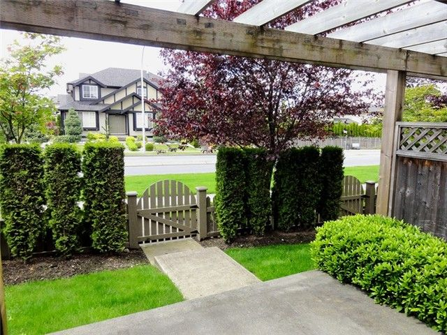 """Photo 14: Photos: # 2 6588 188TH ST in Surrey: Cloverdale BC Townhouse for sale in """"Hillcrest Place"""" (Cloverdale)  : MLS®# F1321944"""