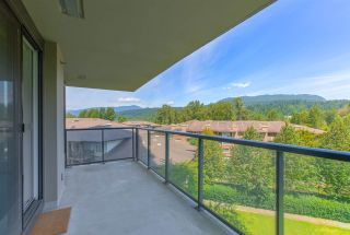 "Photo 16: 706 660 NOOTKA Way in Port Moody: Port Moody Centre Condo for sale in ""NAHANNI @ KLAHANIE"" : MLS®# R2477636"