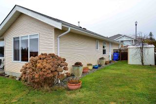 """Photo 11: 5704 EMILY Way in Sechelt: Sechelt District House for sale in """"CASCADE"""" (Sunshine Coast)  : MLS®# R2144070"""
