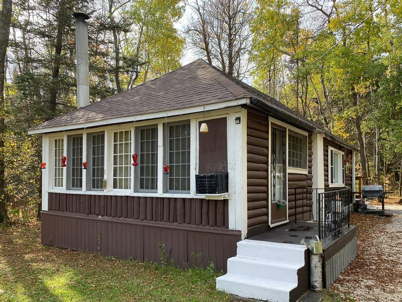 FEATURED LISTING: 82 Silverdale Drive Silver Falls