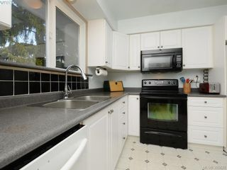 Photo 9: 2092 Airedale Pl in SIDNEY: Si Sidney North-West House for sale (Sidney)  : MLS®# 774876