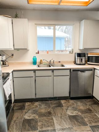 """Photo 5: 6889 FAIRMONT Crescent in Prince George: Lower College House for sale in """"n74lc"""" (PG City South (Zone 74))  : MLS®# R2546529"""