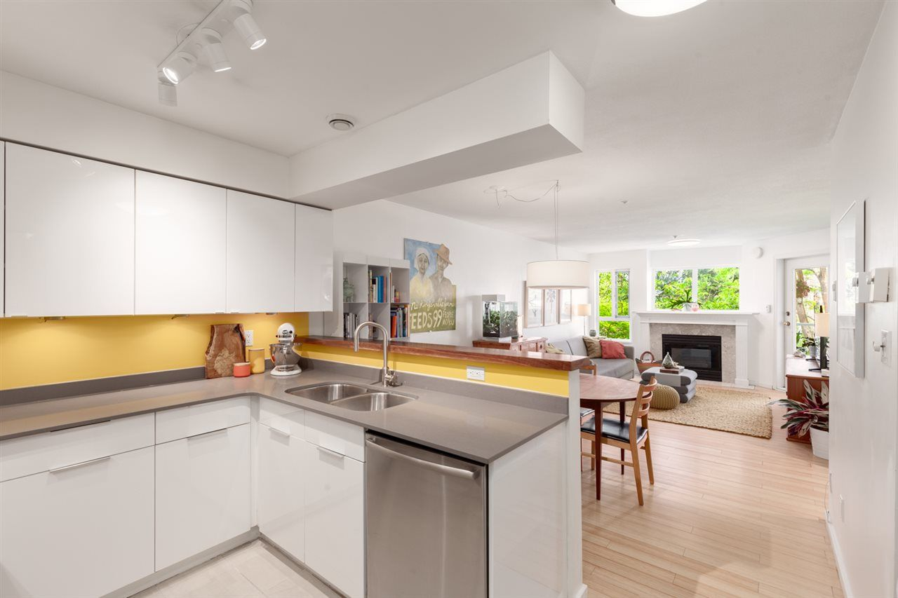 """Main Photo: 307 1738 FRANCES Street in Vancouver: Hastings Condo for sale in """"CITY GARDENS"""" (Vancouver East)  : MLS®# R2371715"""