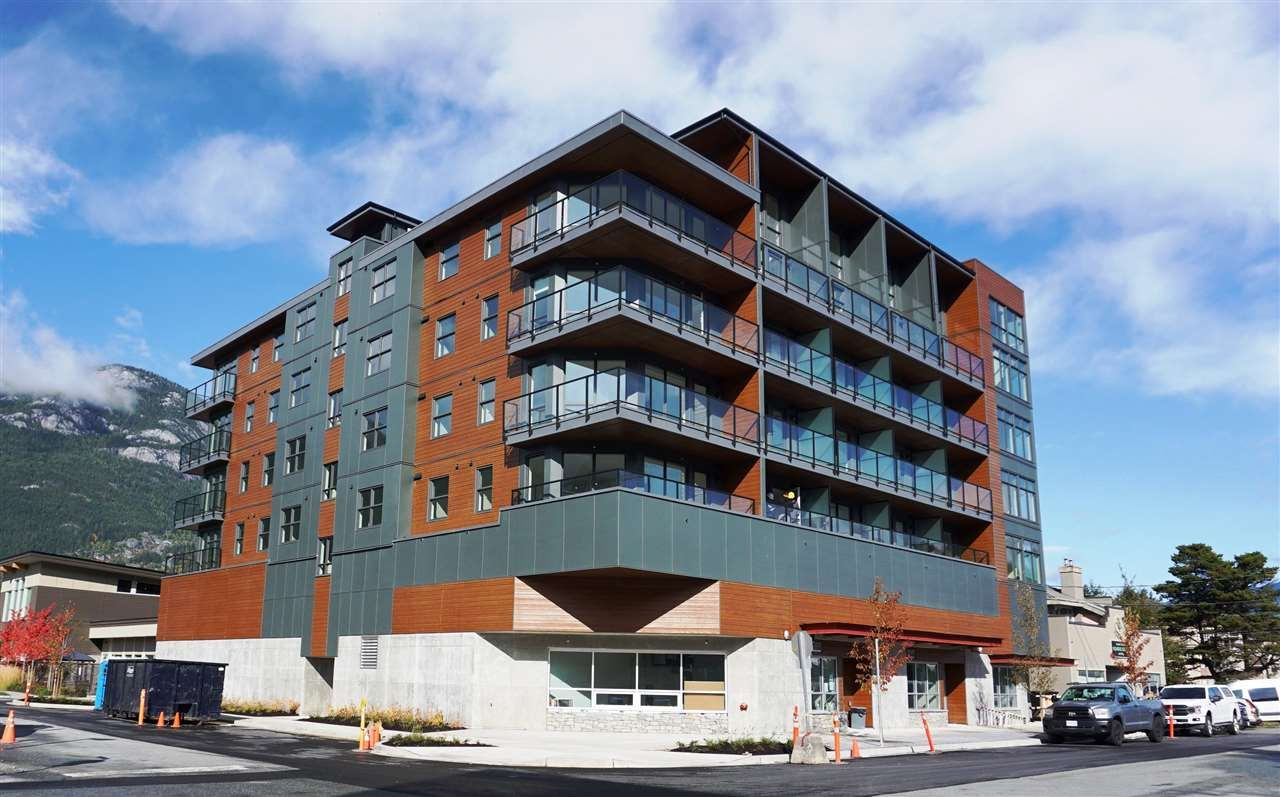 "Main Photo: 602 38013 THIRD Avenue in Squamish: Downtown SQ Condo for sale in ""THE LAUREN"" : MLS®# R2458199"