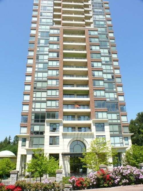 "Photo 1: Photos: 1408 6837 STATION HILL Drive in Burnaby: South Slope Condo for sale in ""THE CLARIDGES - CITY IN THE PARK"" (Burnaby South)  : MLS®# V770790"