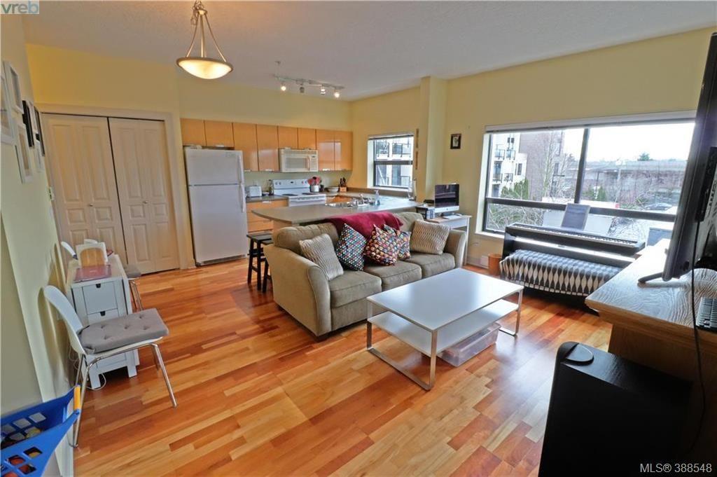 Main Photo: 312 870 Short St in VICTORIA: SE Quadra Condo for sale (Saanich East)  : MLS®# 780881
