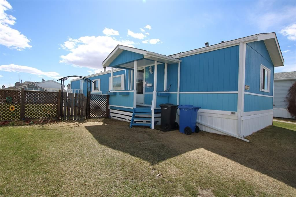 Main Photo: 28 900 Ross Street: Crossfield Mobile for sale : MLS®# A1071995