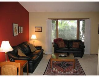 Photo 3: 71 TAUNUS Drive in WINNIPEG: North Kildonan Residential for sale (North East Winnipeg)  : MLS®# 2809015