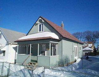 Photo 1: 841 REDWOOD Avenue in Winnipeg: North End Single Family Detached for sale (North West Winnipeg)  : MLS®# 2501738