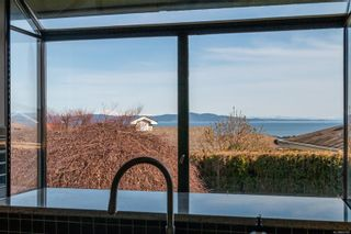 Photo 11: 830 Gulfview Pl in : SE Cordova Bay House for sale (Saanich East)  : MLS®# 869166