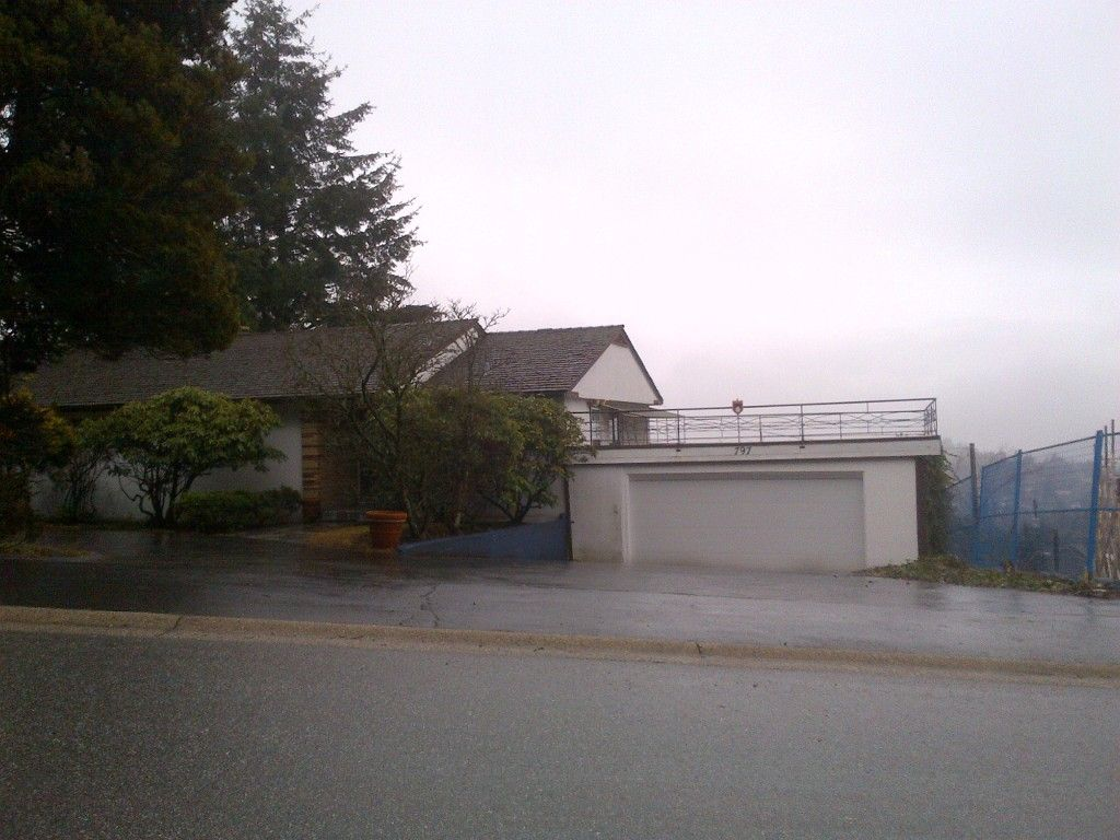 Main Photo: 797 Eyremount DR in West Vancouver: British Properties House for sale