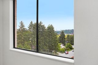 """Photo 9: 602 555 13TH Street in West Vancouver: Ambleside Condo for sale in """"Parkview Tower"""" : MLS®# R2591650"""
