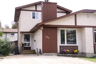 Photo 2: 337 Edelweiss Crescent in Winnipeg: Single Family Attached for sale : MLS®# 1527759