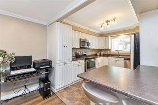 "Photo 11: 22741 GILLEY Avenue in Maple Ridge: East Central Townhouse for sale in ""CEDAR GROVE 2"" : MLS®# R2480697"