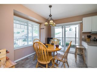 """Photo 3: 41 20222 96 Avenue in Langley: Walnut Grove Townhouse for sale in """"Windsor Gardens"""" : MLS®# R2597254"""