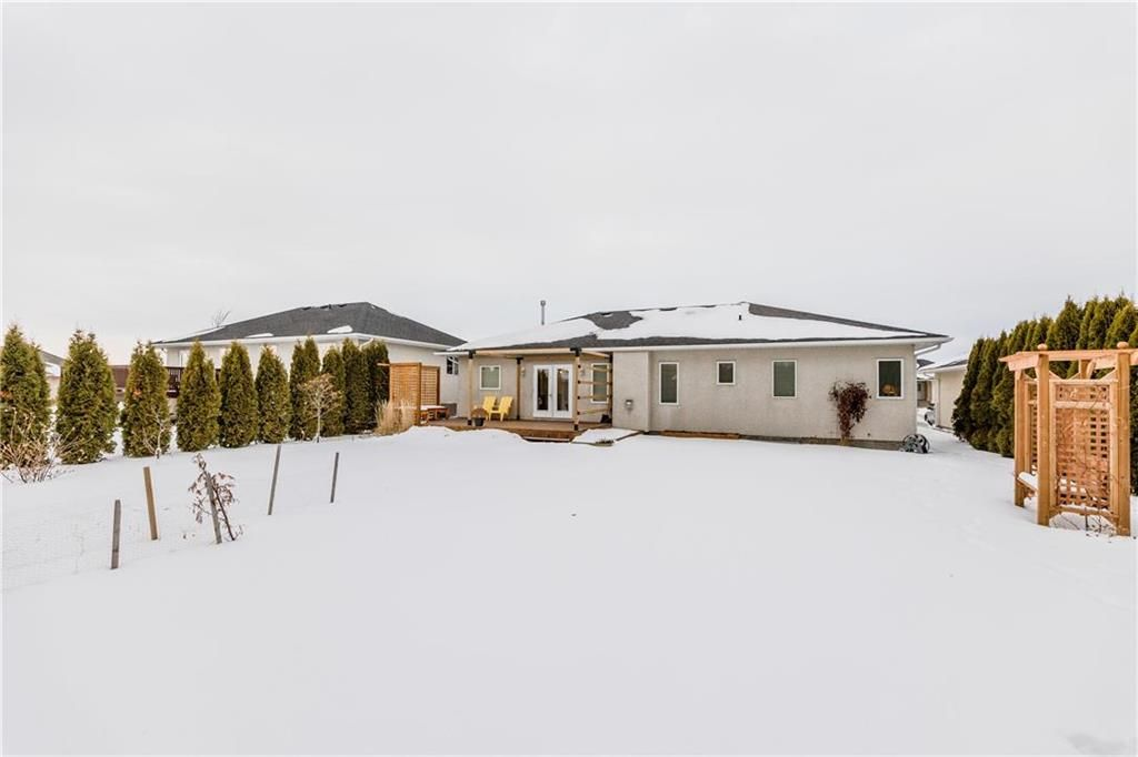 Photo 27: Photos: 6 AVONDALE Crescent in Steinbach: R16 Residential for sale : MLS®# 202100399