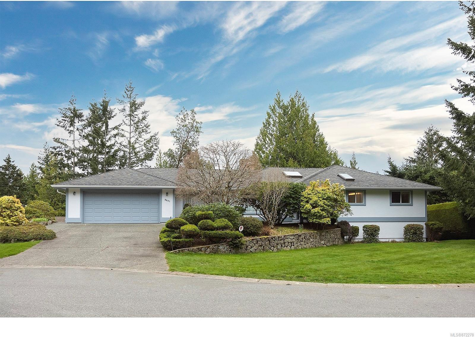 Main Photo: 8601 Deception Pl in : NS Dean Park House for sale (North Saanich)  : MLS®# 872278