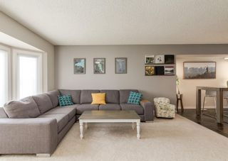 Photo 4: 72 Riverbirch Crescent SE in Calgary: Riverbend Detached for sale : MLS®# A1094288