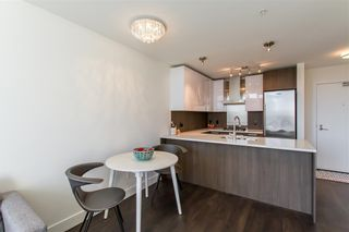 """Photo 5: 2903 3007 GLEN Drive in Coquitlam: North Coquitlam Condo for sale in """"Evergreen"""" : MLS®# R2409385"""