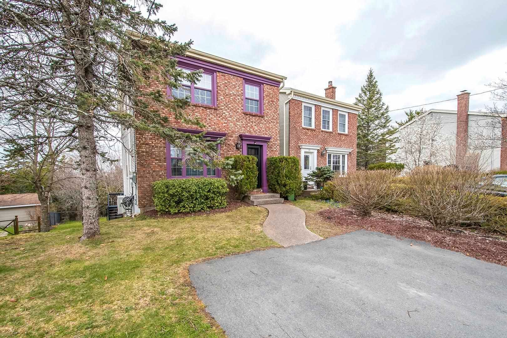 Photo 2: Photos: 64 Roy Crescent in Bedford: 20-Bedford Residential for sale (Halifax-Dartmouth)  : MLS®# 202110846