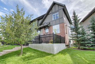 Photo 1: 83 NEW BRIGHTON Common SE in Calgary: New Brighton Row/Townhouse for sale : MLS®# A1027197
