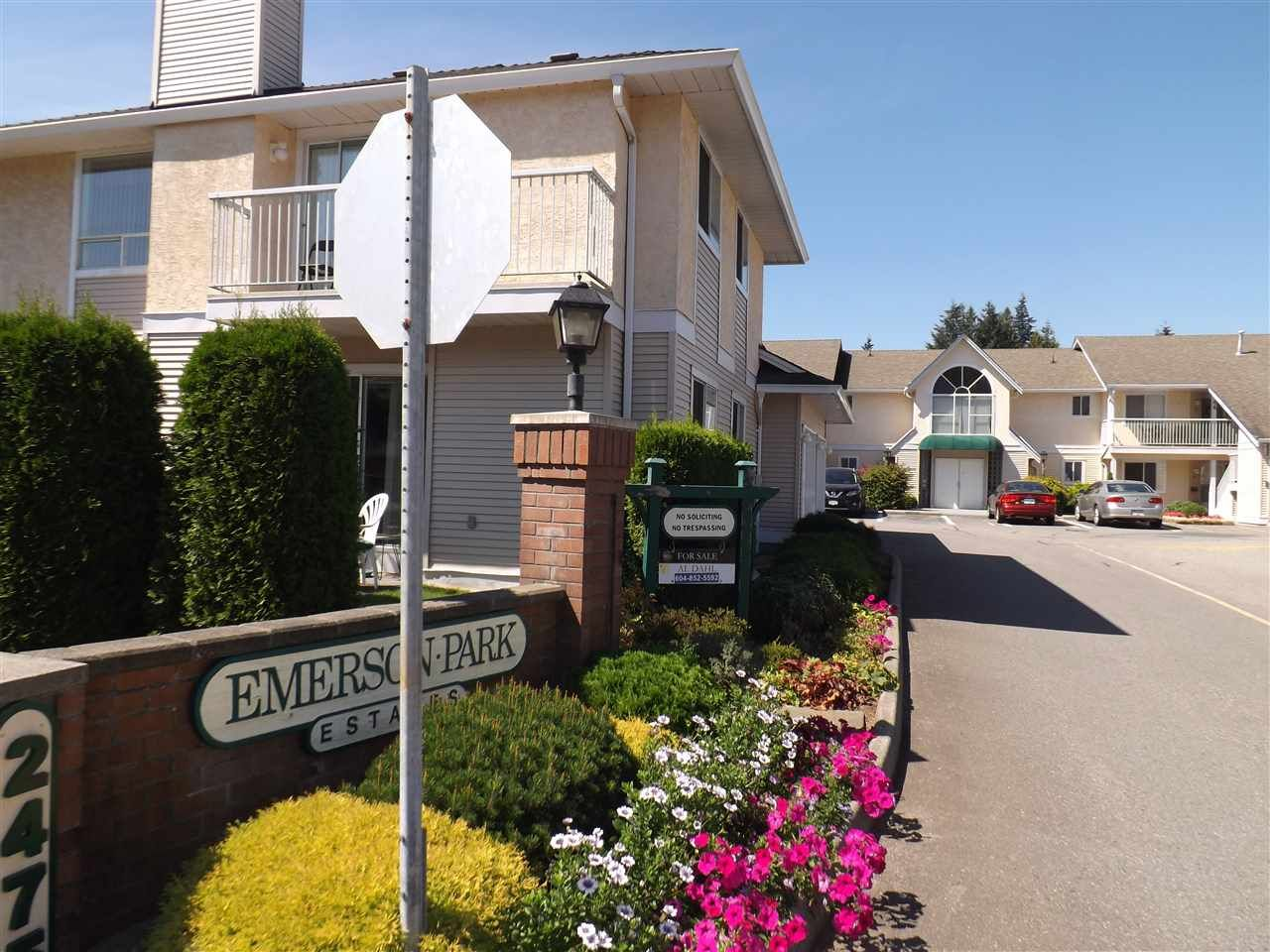 Main Photo: 1 2475 EMERSON Street in Abbotsford: Abbotsford West Townhouse for sale : MLS®# R2101704