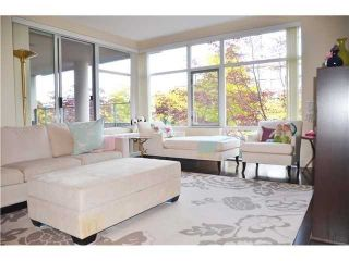 """Photo 2: 213 6015 IONA Drive in Vancouver: University VW Condo for sale in """"CHANCELLOR HOUSE"""" (Vancouver West)  : MLS®# V1052273"""