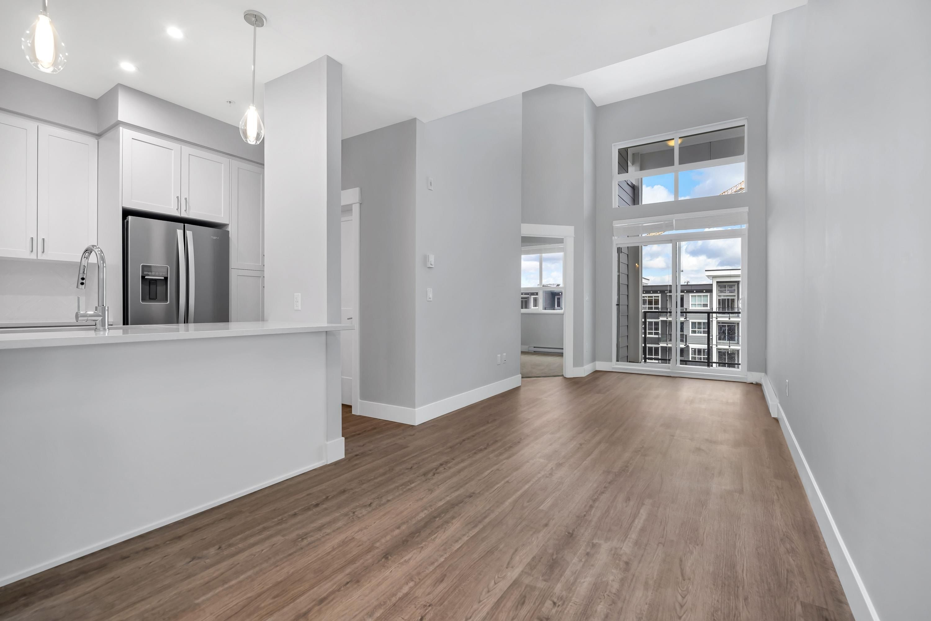 """Main Photo: 4616 2180 KELLY Avenue in Port Coquitlam: Central Pt Coquitlam Condo for sale in """"Montrose Square"""" : MLS®# R2614103"""