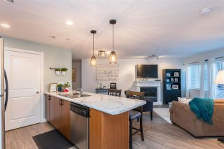 Photo 1: 103 2581 LANGDON STREET in Abbotsford: Abbotsford West Condo for sale : MLS®# R2556571