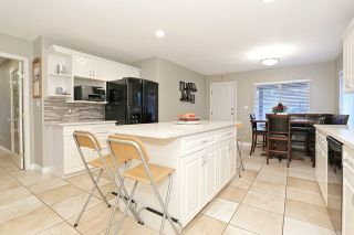 Photo 9: 17040 57 Avenue in Surrey: Cloverdale BC House for sale (Cloverdale)  : MLS®# R2037607