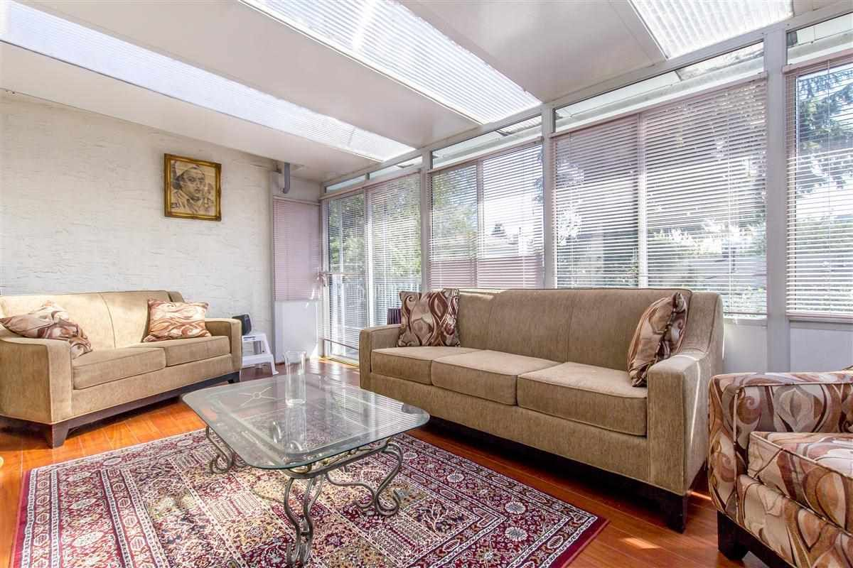 Photo 7: Photos: 5156 ABERDEEN Street in Vancouver: Collingwood VE House for sale (Vancouver East)  : MLS®# R2303162