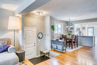 Photo 5: 202 19 Street NW in Calgary: West Hillhurst Semi Detached for sale : MLS®# A1129598