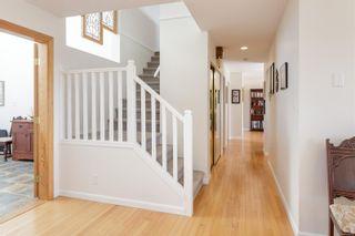 Photo 3: 901 Cobblestone Lane in Saanich: SE Broadmead House for sale (Saanich East)  : MLS®# 885657