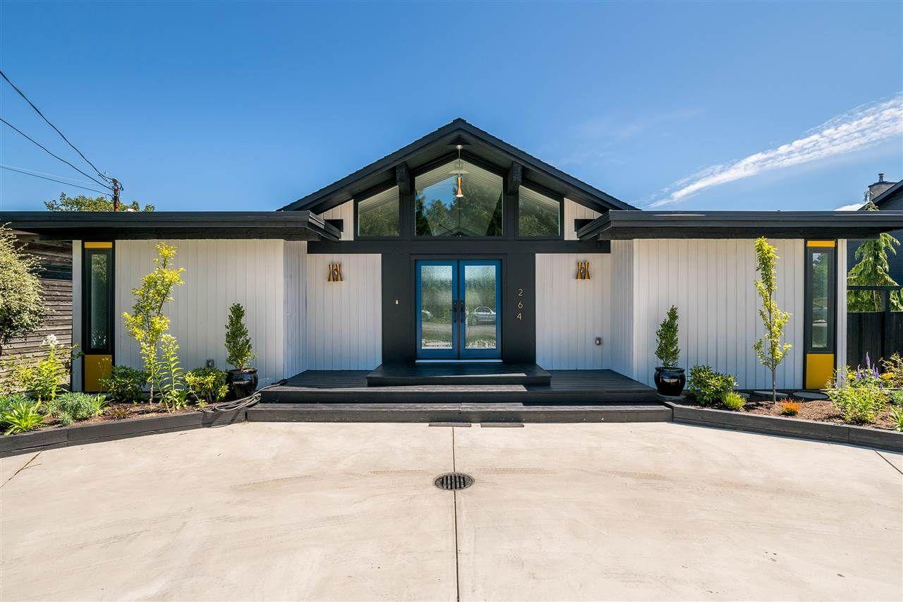 Main Photo: 264 67 Street in Delta: Boundary Beach House for sale (Tsawwassen)  : MLS®# R2382370