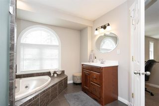 Photo 23: 3803 Vialoux Drive in Winnipeg: Charleswood Residential for sale (1F)  : MLS®# 202105844