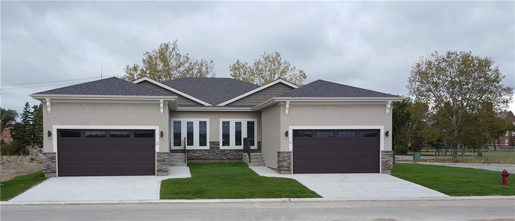 Main Photo: 108 804 Manitoba Avenue in Selkirk: R14 Condominium for sale : MLS®# 202103954