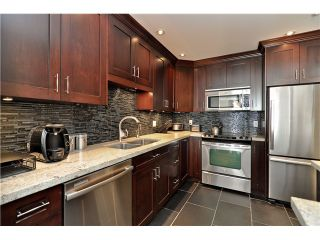 """Main Photo: 210 19131 FORD Road in Pitt Meadows: Central Meadows Condo for sale in """"WOODFORD MANOR"""" : MLS®# V996523"""