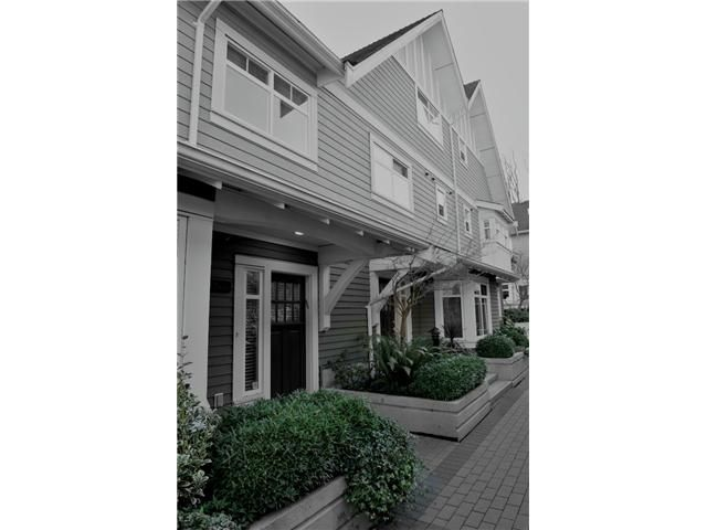 """Main Photo: 5436 LARCH Street in Vancouver: Kerrisdale Townhouse for sale in """"THE LARCHWOOD"""" (Vancouver West)  : MLS®# V934976"""