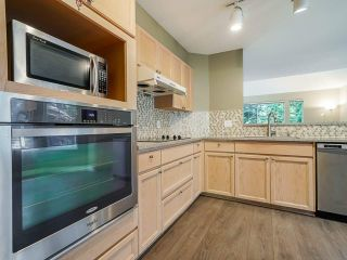"""Photo 10: 95 101 PARKSIDE Drive in Port Moody: Heritage Mountain Townhouse for sale in """"Treetops"""" : MLS®# R2494179"""