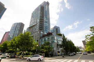 "Main Photo: 601 535 NICOLA Street in Vancouver: Coal Harbour Condo for sale in ""Bauhinia"" (Vancouver West)  : MLS®# R2558943"
