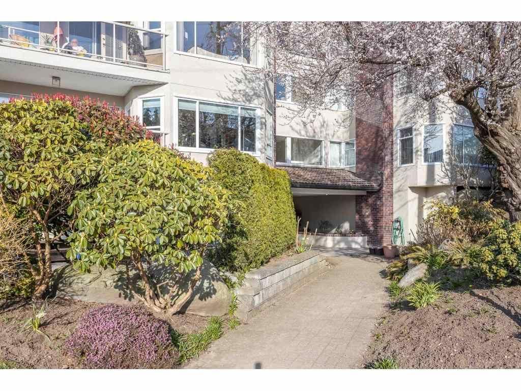 "Main Photo: 405 1225 MERKLIN Street: White Rock Condo for sale in ""Englesea Manor 11"" (South Surrey White Rock)  : MLS®# R2478567"