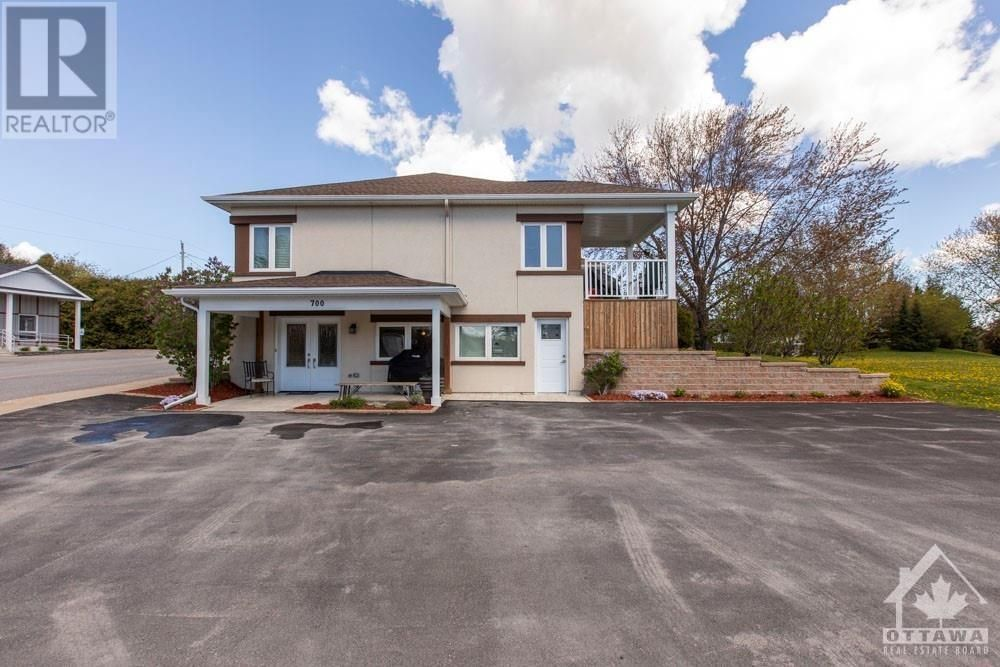 Main Photo: 700 OLD HIGHWAY 17 HIGHWAY in Plantagenet: Multi-family for sale : MLS®# 1258104