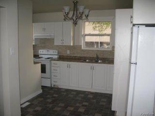 Photo 5: 704 Talbot Avenue in WINNIPEG: East Kildonan Single Family Detached for sale (North East Winnipeg)  : MLS®# 1323855