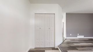 Photo 2: 740 JOHNS Road in Edmonton: Zone 29 House for sale : MLS®# E4250629